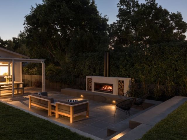 Woodside_4_lawn-wall-steps-seating-patio-fire